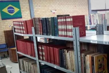 Empréstimos de livros aumentam após mudança de biblioteca