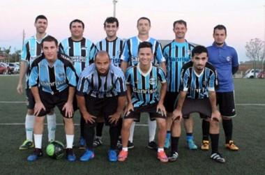Torcedores do Grêmio isolam clube com a liderança em Içara