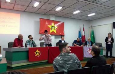 PT discute calendário de lutas no município de Içara