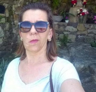 Neurofibromatose: professora de Içara busca ajuda para cirurgia