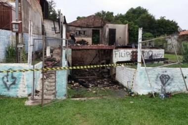 Bombeiros de Içara auxiliam combate a incêndio em Criciúma