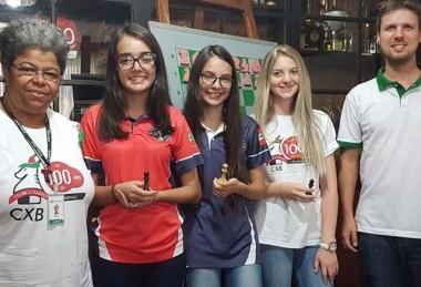 Xadrez de Içara na disputa de vaga da seleção brasileira estudantil