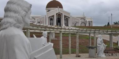 Santuário comemora primeiro ano com inauguração de novos espaços para oração