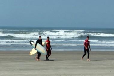Circuito Surf Scream inicia em Balneário Rincão