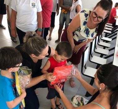 Governo Municipal e Famsid entregam materiais escolares para a APAE