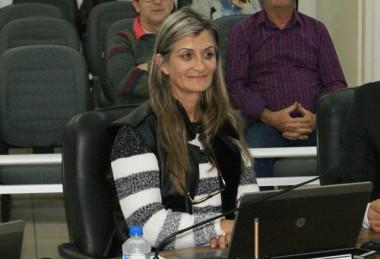 Vereadora Edna solicita melhorias na infraestrutura