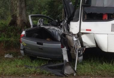Mãe e filho morrem em acidente de carro em Criciúma