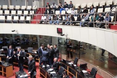 Parlamentares repercutem condenação de Lula nessa quinta