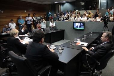 Comissão recebe professores contra reforma da previdência