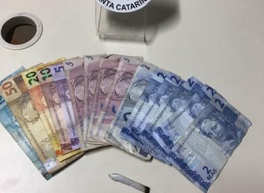 PM de Araranguá prende assaltante e recupera dinheiro