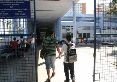 Cerca de mil escolas estaduais terão aula normalmente hoje
