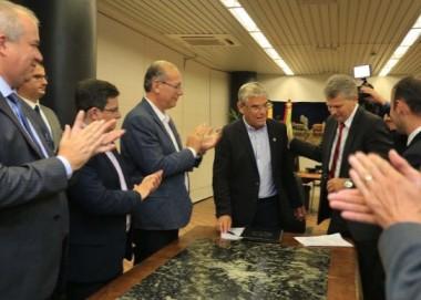 Governador empossa diretor-geral do Instituto Geral de Perícias