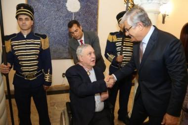 Governador homenageia empresário Alfredo Felipe da Luz com Medalha Anita Garibaldi