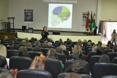 Educação reúne professores para formação pedagógica