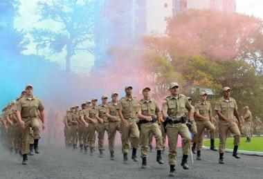 PM forma 1º grupo de soldados que representa reforço histórico