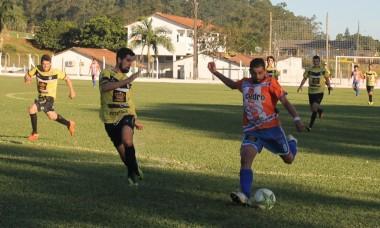 Municipal de futebol de campo tem decisão no domingo