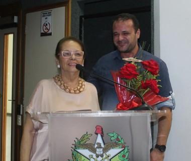 Deputada Ada de Luca participa de ação pública do GAPA