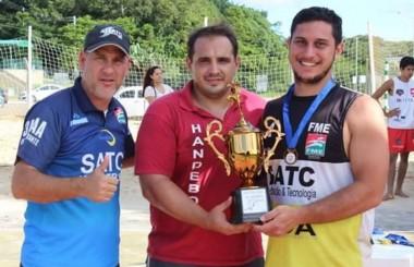 Handebol Clube Içara obtém bronze em Criciúma