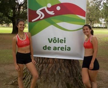 Estudantes do IFSC Araranguá disputam vôlei de areia em MG