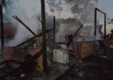Incêndio destrói oficina de refrigeração em Santa Rosa do Sul