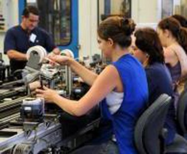 Prévia da confiança da indústria indica alta de 2,7 pontos