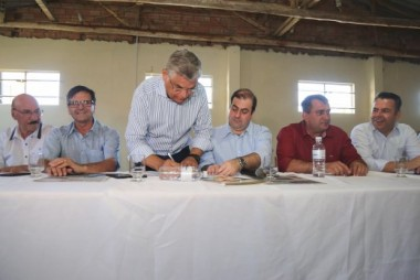 Vice-governador autoriza desassoreamento da Barra do Camacho