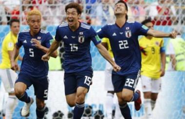 Com um a menos desde o início, Colômbia perde para o Japão por 2x1
