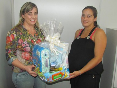 Prefeitura de Jacinto Machado entrega kit gestante