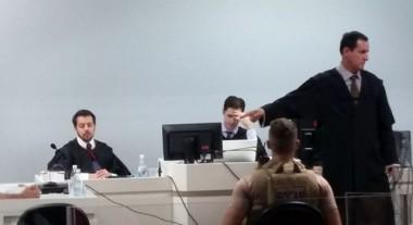 Réu é condenado e liberado após júri em Içara