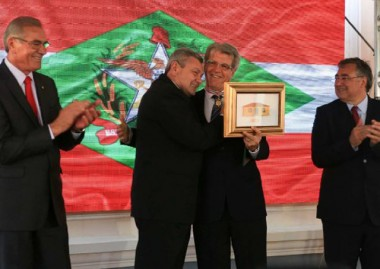 Medalha Anita Garibaldi ao ex-deputado Ivan Ranzolin