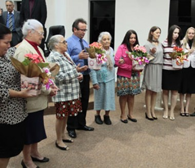AD Içara celebrou Dia das Mães em culto homenageando pioneiras