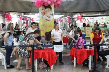 Mamães recebem tratamento de beleza no Terminal em Criciúma