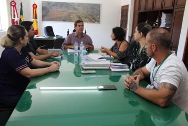 Servidores de Maracajá reivindicam incorporação de abono aos salários