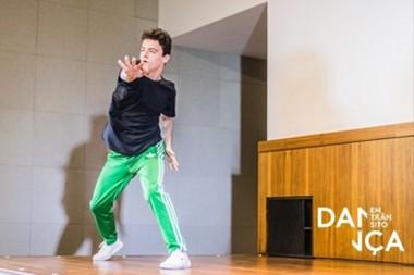Ex-aluno do Colégio Dehon participa de festival de dança
