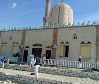Sobe para 235 o número de mortos em atentado à mesquita no Egito