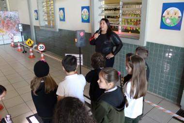 Satc recebe visita da escolinha de trânsito doada pela Kopp à DTT
