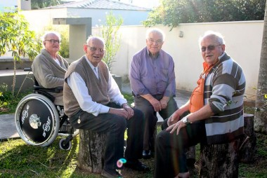 Padre Silvestre Koepp celebra 50 anos de vida sacerdotal