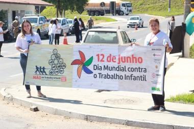 Esplanada recebe blitz em combate ao trabalho infantil
