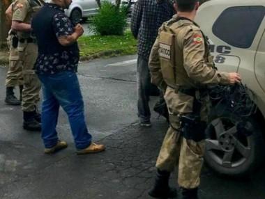 Jovem é detido no Centro de Içara após tentativa de roubo