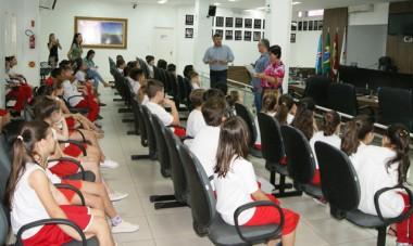 Alunos da Escola Maria Arlete visitam a Câmara