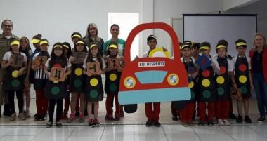 "Projeto ""eu respeito o trânsito"" envolve  estudantes da Escola Quintino Rizzieri"