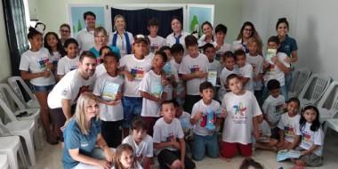 Turma dos Buriguinhos visita crianças do Cras de Içara