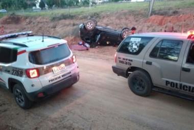 Perseguição termina em capotamento e dois detidos em Cocal