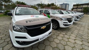 Polícia Militar de Santa Catarina entrega 122 novas viaturas