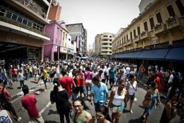 População brasileira é formada basicamente de pardos e brancos, mostra IBGE