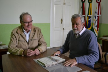 Prefeitura de Cocal do Sul antecipa 13º salário