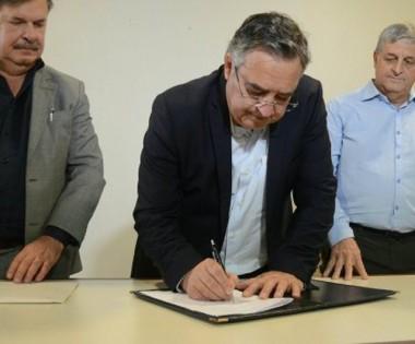 Governador assina contratos de R$ 4 milhões do Badesc Cidades