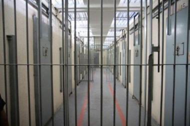 DIC prende acusado por roubo e corrupção de menores