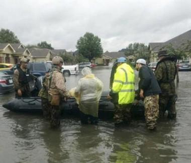 Congresso dos EUA aprova ajuda para vítimas do furacão Harvey