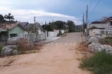 Conclusão da pavimentação da rua São José Operário foi esquecida